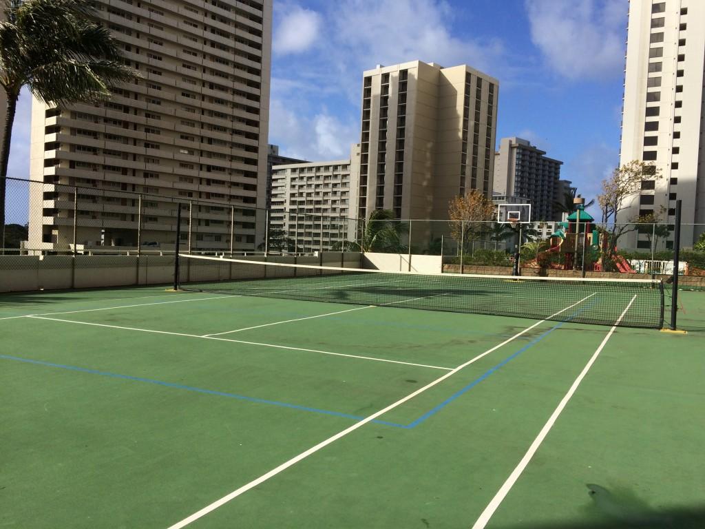 ワイキキバニアンのテニスコート
