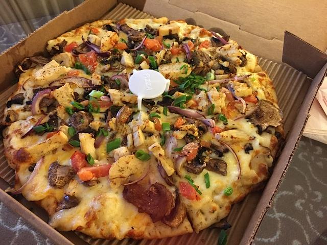 ラウンドテーブルピザ