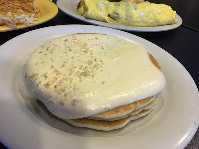 マカデミアナッツソース・パンケーキ